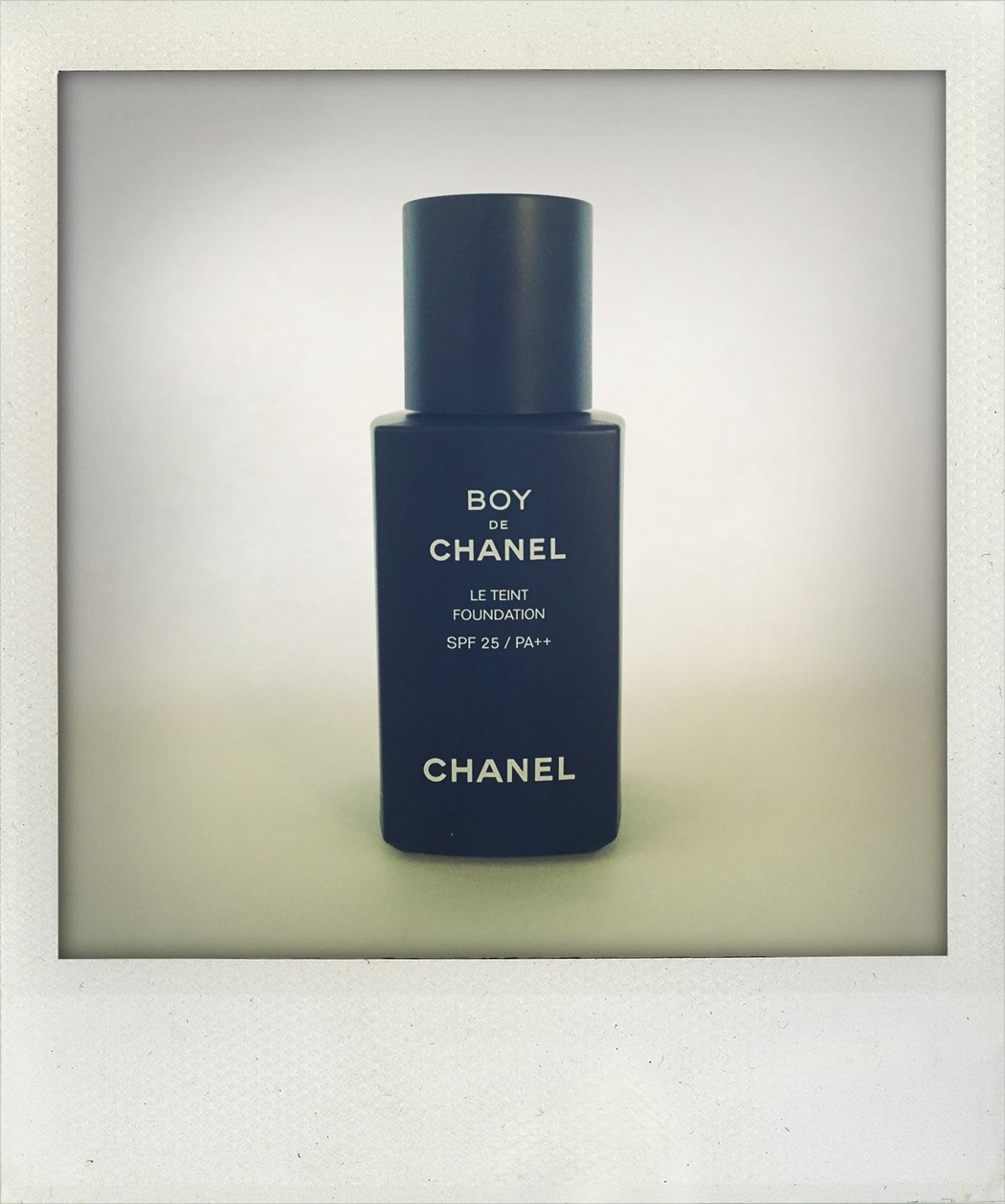 Chanel Boy de makeup men tutorial how-to mens grooming guide