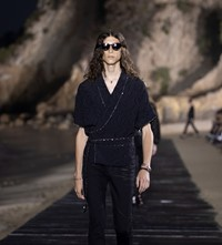 SAINT LAURENT_MEN_SS20_RUNWAY_02_HR
