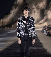 SAINT LAURENT_MEN_SS20_RUNWAY_24_HR