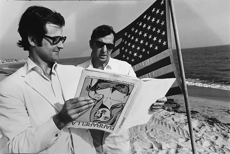 HOPPER_Terry Southern and Robert Fraser (on beach
